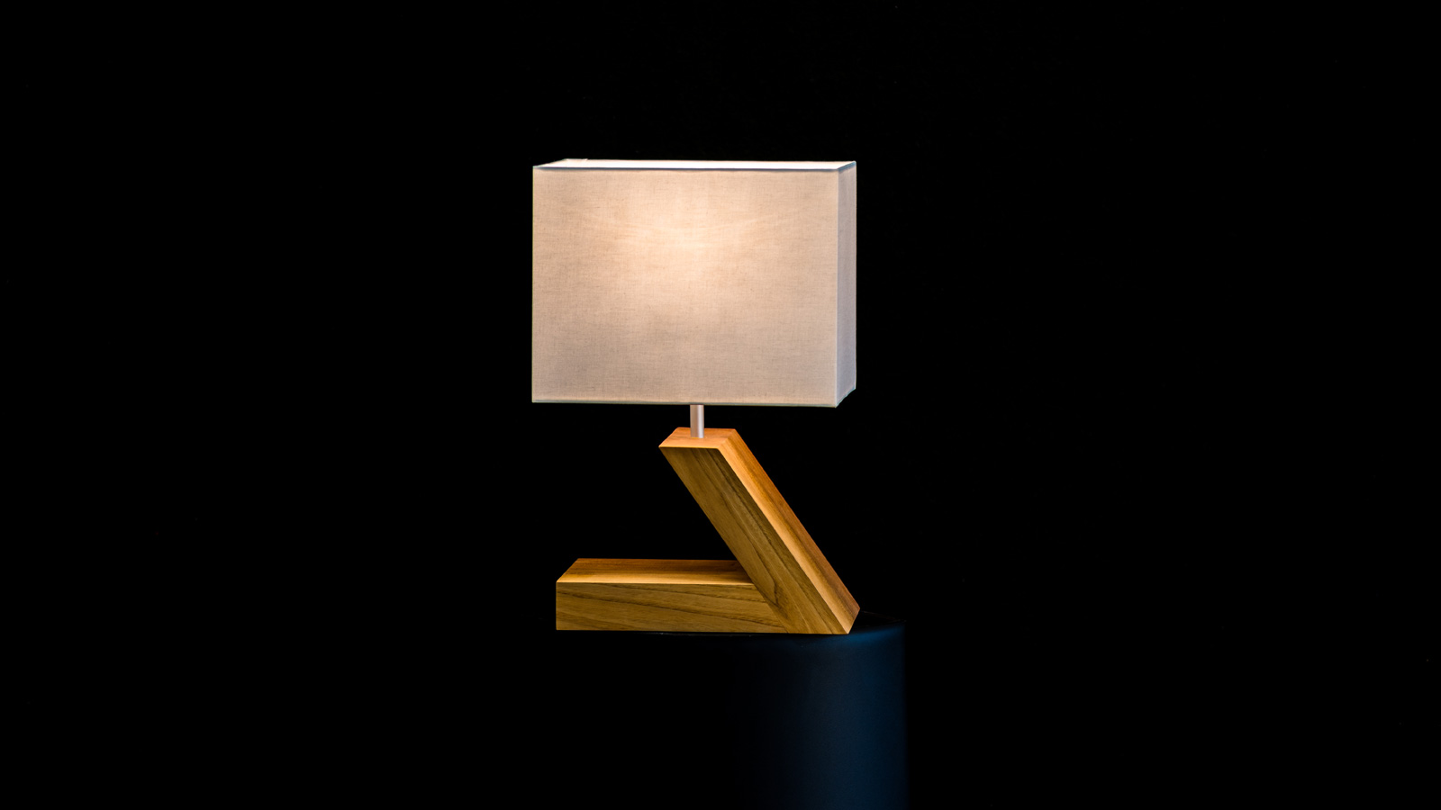 Design light Fanger Design, Swiss Made from Swiss wood