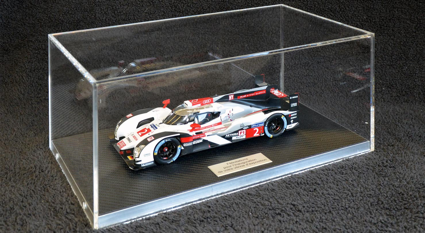Plexiglass showcase and display case by FREWAG