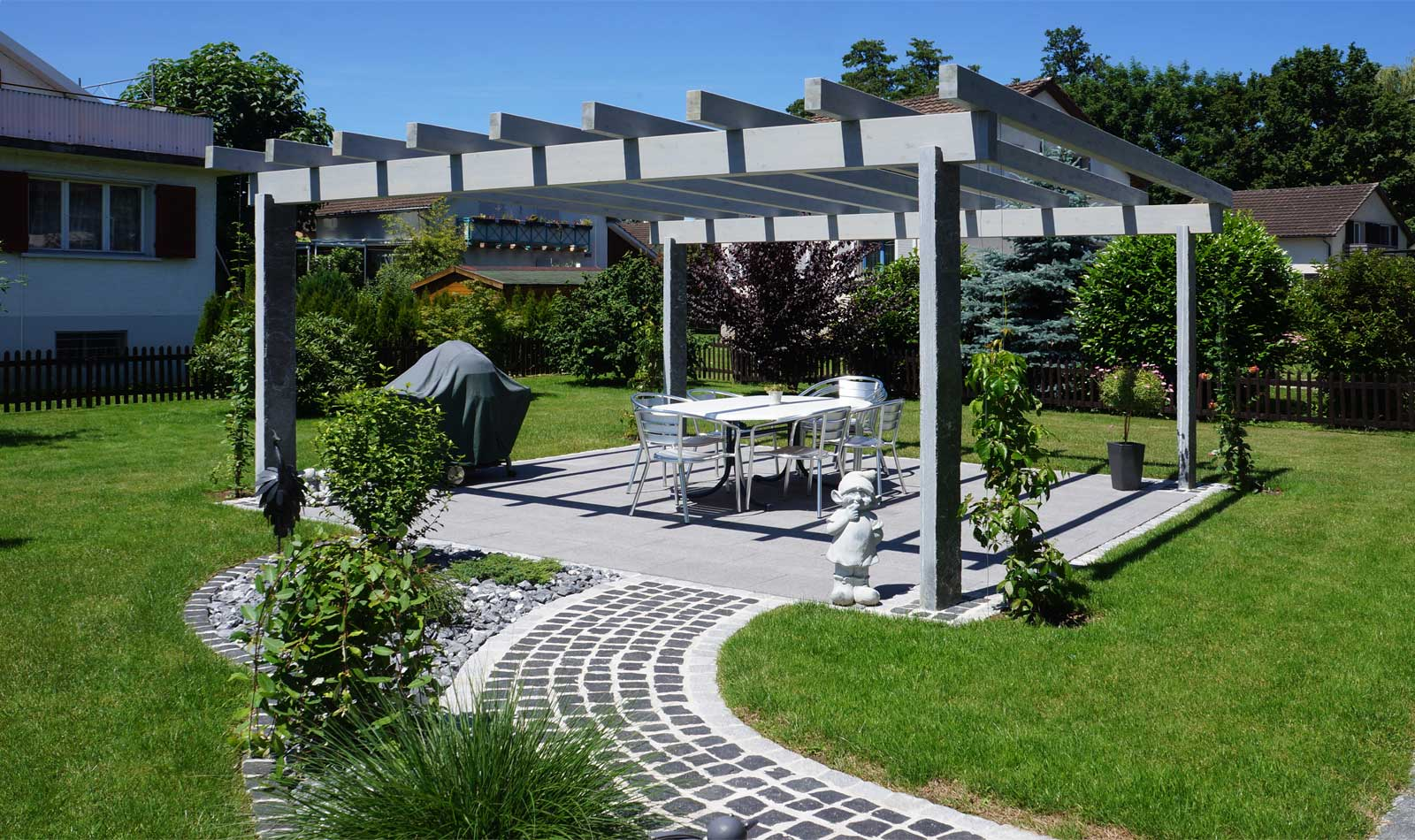 Pergola for garden seating by Glovital AG