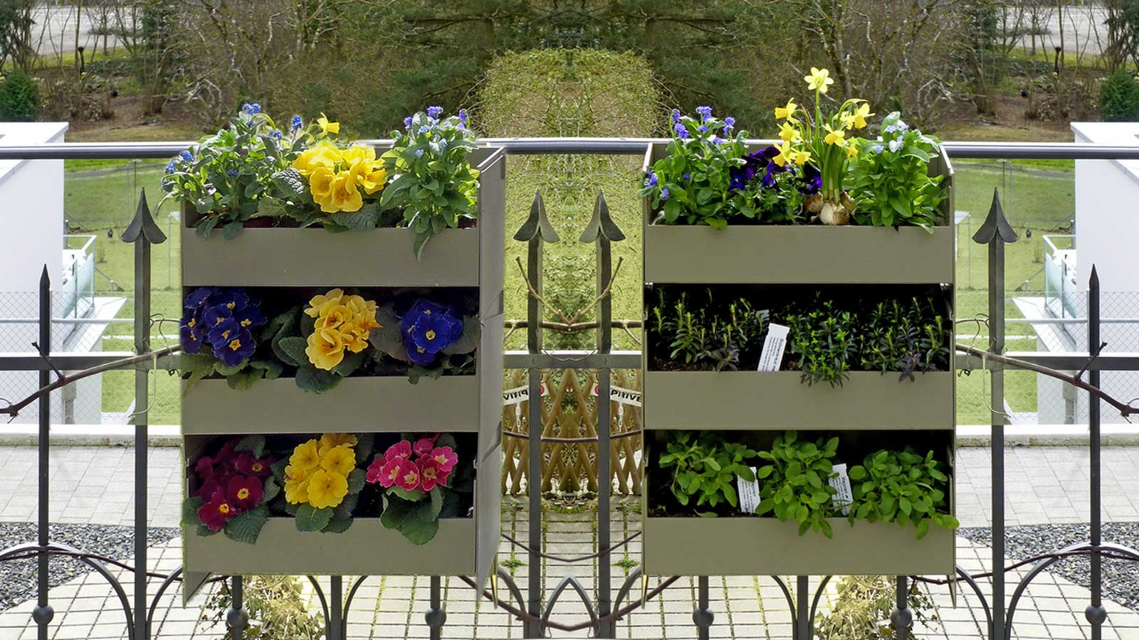 Stacking garden for herbs, berries, scented plants, flowers or green plants