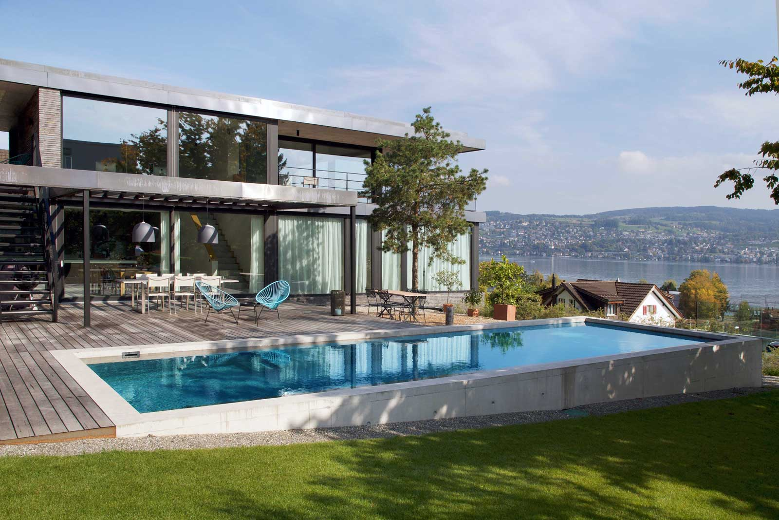 Custom swimming pools in different shapes and colours from Vita Bad AG, Switzerland