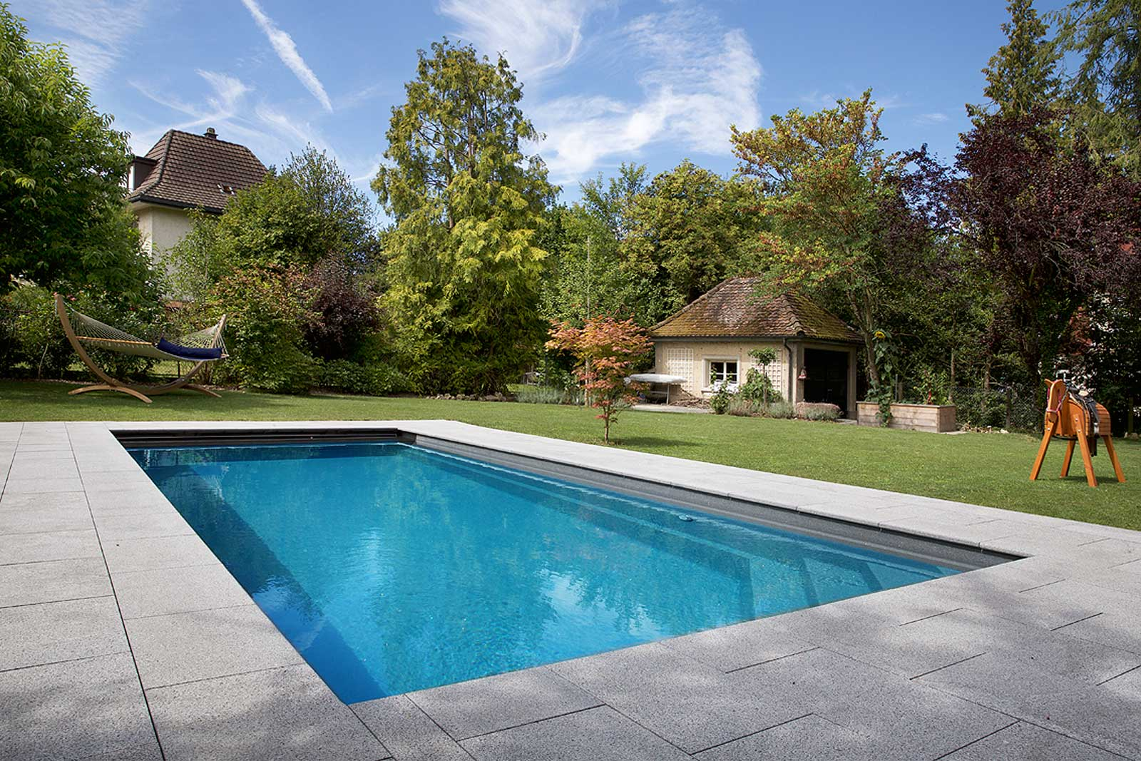 Swimming pools and garden design by Vita Bad AG, Switzerland